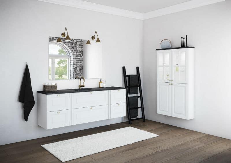 Nice hvid badeværelse